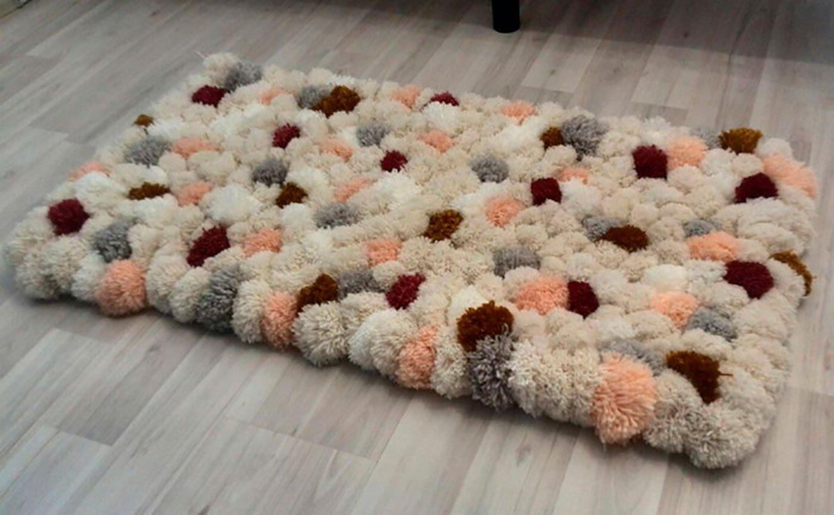 12 необычных идей как сделать коврики из старых вещей 75